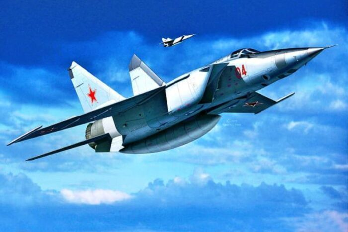 en-hizli-savas-ucagi-soviet-air-force-the-mig-25-Foxbat-supersonic-aircraft
